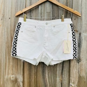 High-Rise White Jean Shorts w Black embroidery
